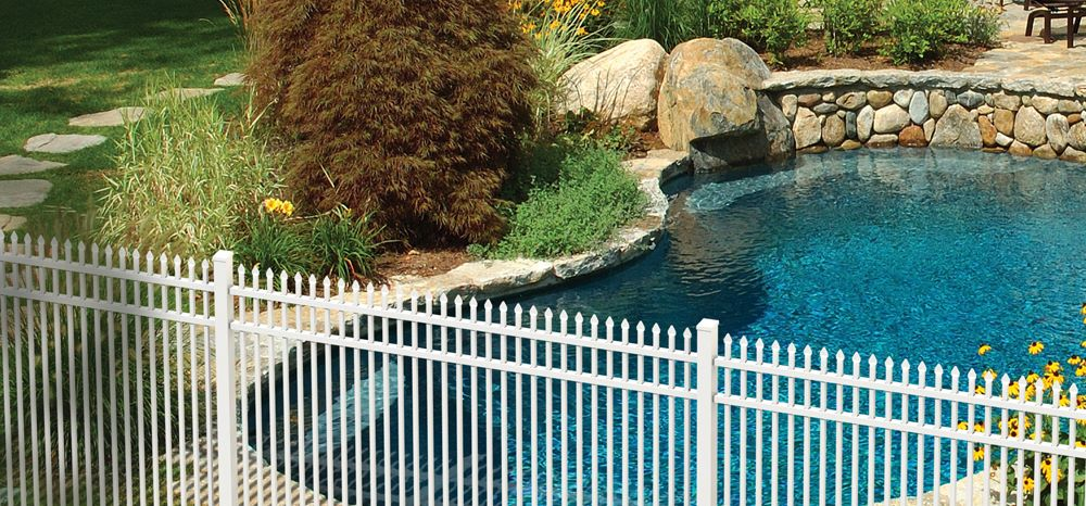 Keeping Your Pool Fence Up to Code